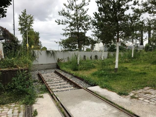 Moabit (モアビート)の貨物駅_e0141754_20300065.jpg