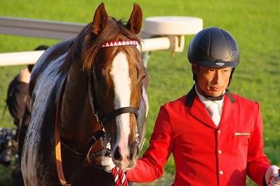 ダービー2着馬の貫禄!アルゼンチン共和国杯は、スワーヴリチャードが人気に応え3歳馬20年振りV達成_b0015386_22031595.jpg