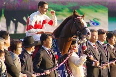 ダービー2着馬の貫禄!アルゼンチン共和国杯は、スワーヴリチャードが人気に応え3歳馬20年振りV達成_b0015386_22032438.jpg