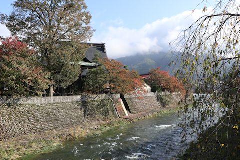 凄い料亭旅館と古川さんぽ♪_c0090198_18402237.jpg