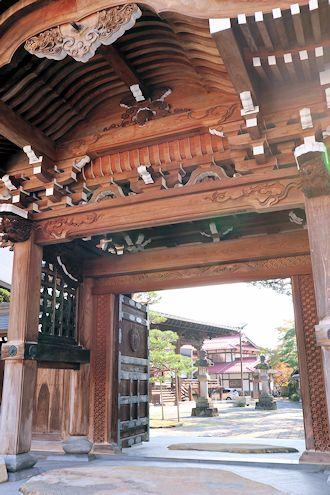 凄い料亭旅館と古川さんぽ♪_c0090198_18404445.jpg