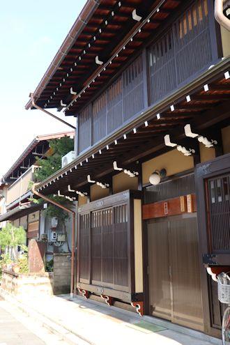 凄い料亭旅館と古川さんぽ♪_c0090198_18412396.jpg