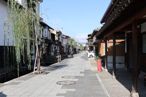 凄い料亭旅館と古川さんぽ♪_c0090198_1851119.jpg