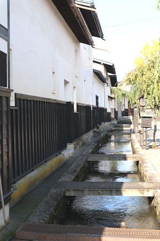 凄い料亭旅館と古川さんぽ♪_c0090198_1855363.jpg