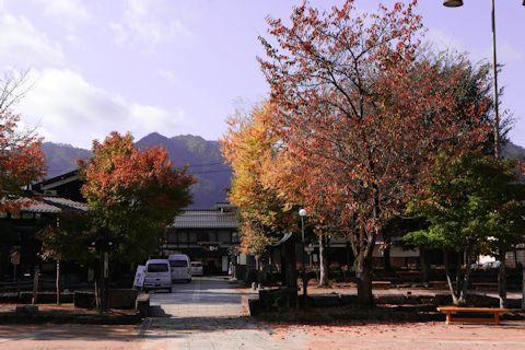 凄い料亭旅館と古川さんぽ♪_c0090198_1857406.jpg