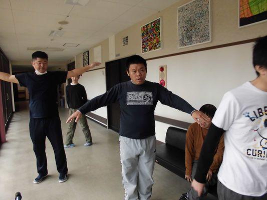 11/4 シーツ交換・パタカラ体操_a0154110_10122794.jpg