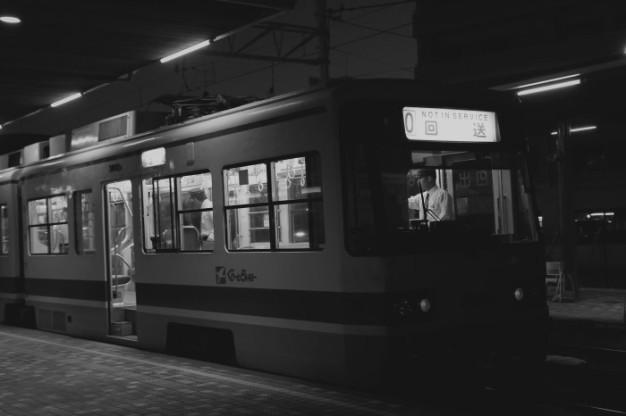 夜の駅_f0371447_07435787.jpg