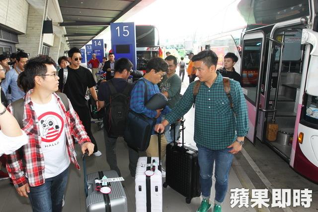 """RAIN「パッケージで世界一周」撮影のため台湾へ出国""""空港でも輝くオーラ""""_c0047605_8363657.jpg"""
