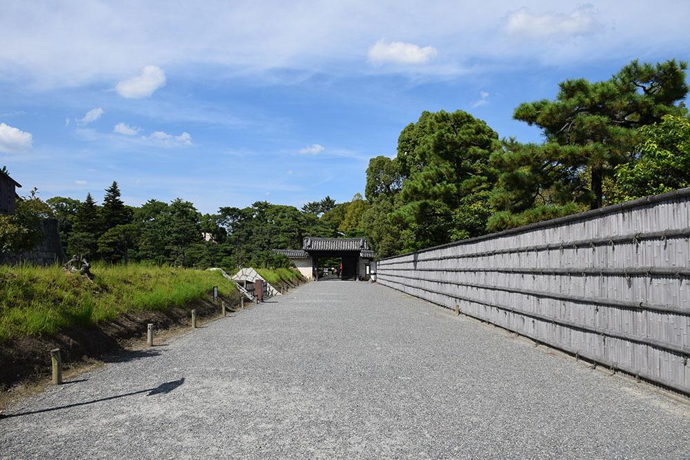 大政奉還150年記念に訪れた二条城。 その3 ~内堀~_e0158128_17472296.jpg