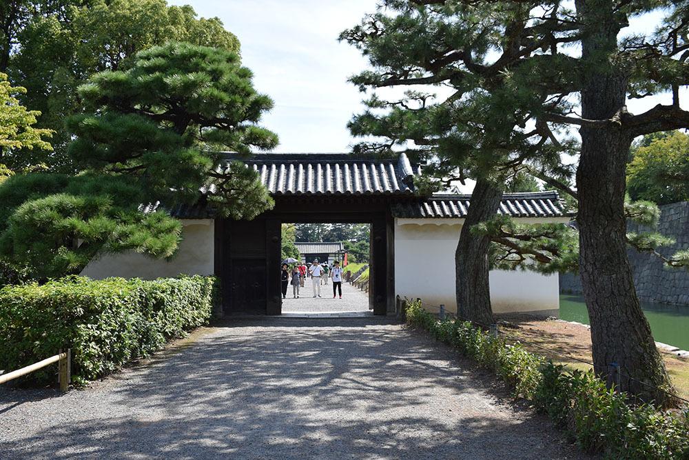 大政奉還150年記念に訪れた二条城。 その3 ~内堀~_e0158128_17500867.jpg