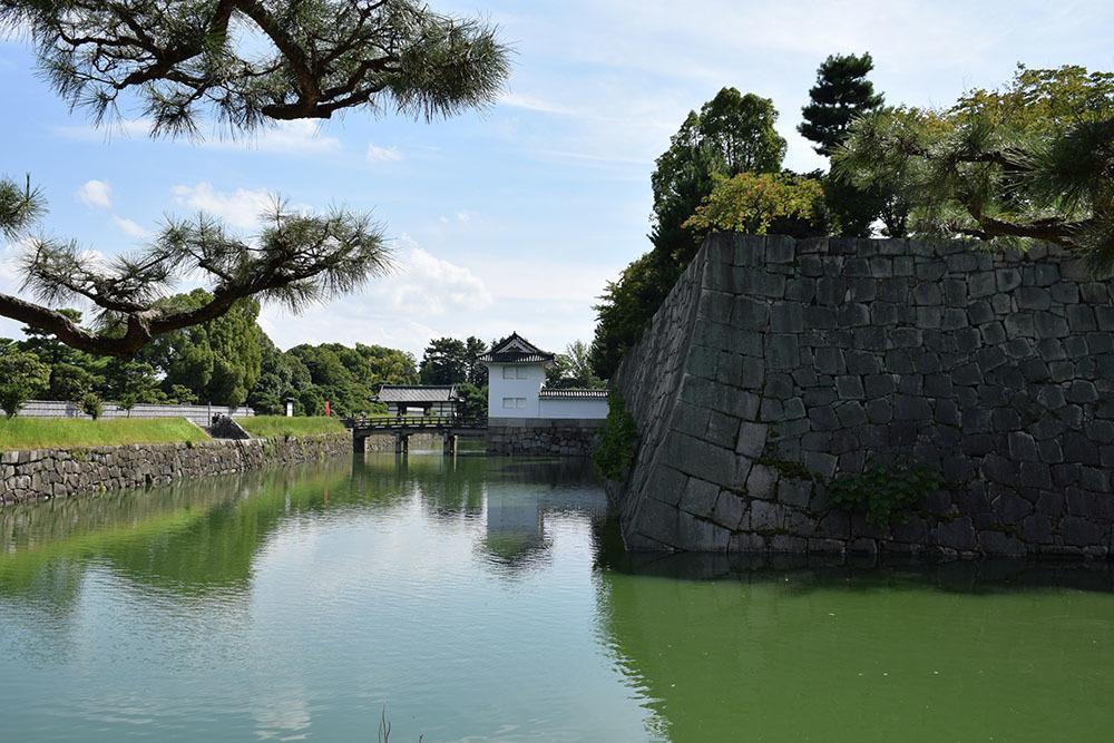 大政奉還150年記念に訪れた二条城。 その3 ~内堀~_e0158128_17510800.jpg