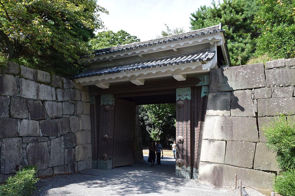 大政奉還150年記念に訪れた二条城。 その3 ~内堀~_e0158128_17520631.jpg