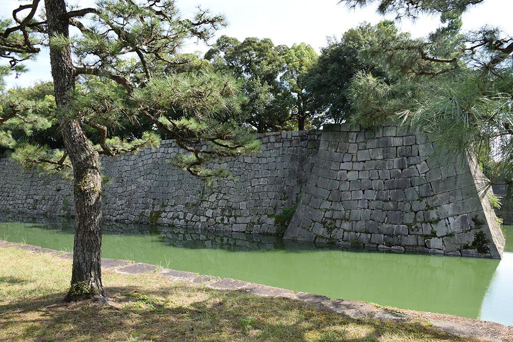 大政奉還150年記念に訪れた二条城。 その3 ~内堀~_e0158128_17551640.jpg
