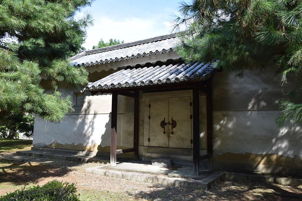 大政奉還150年記念に訪れた二条城。 その3 ~内堀~_e0158128_17573569.jpg