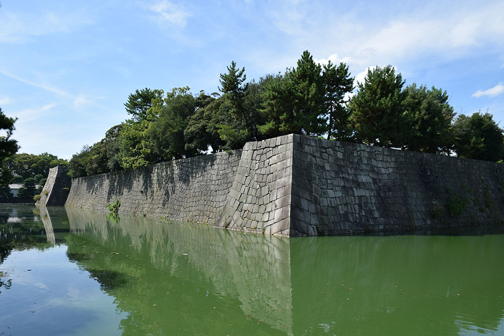 大政奉還150年記念に訪れた二条城。 その3 ~内堀~_e0158128_18041860.jpg
