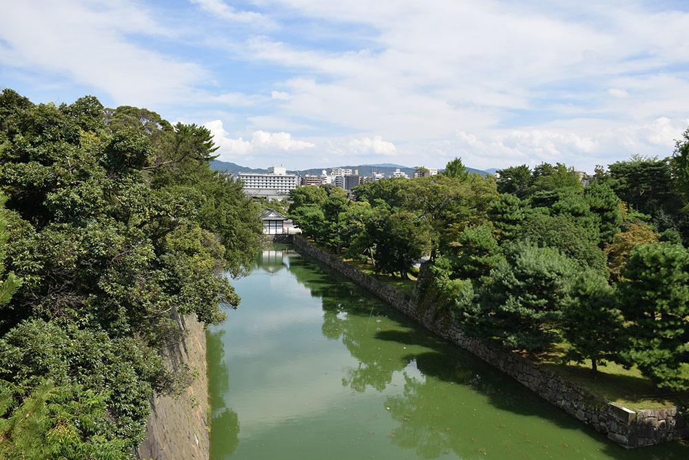 大政奉還150年記念に訪れた二条城。 その4 ~本丸・天守台~_e0158128_18341719.jpg