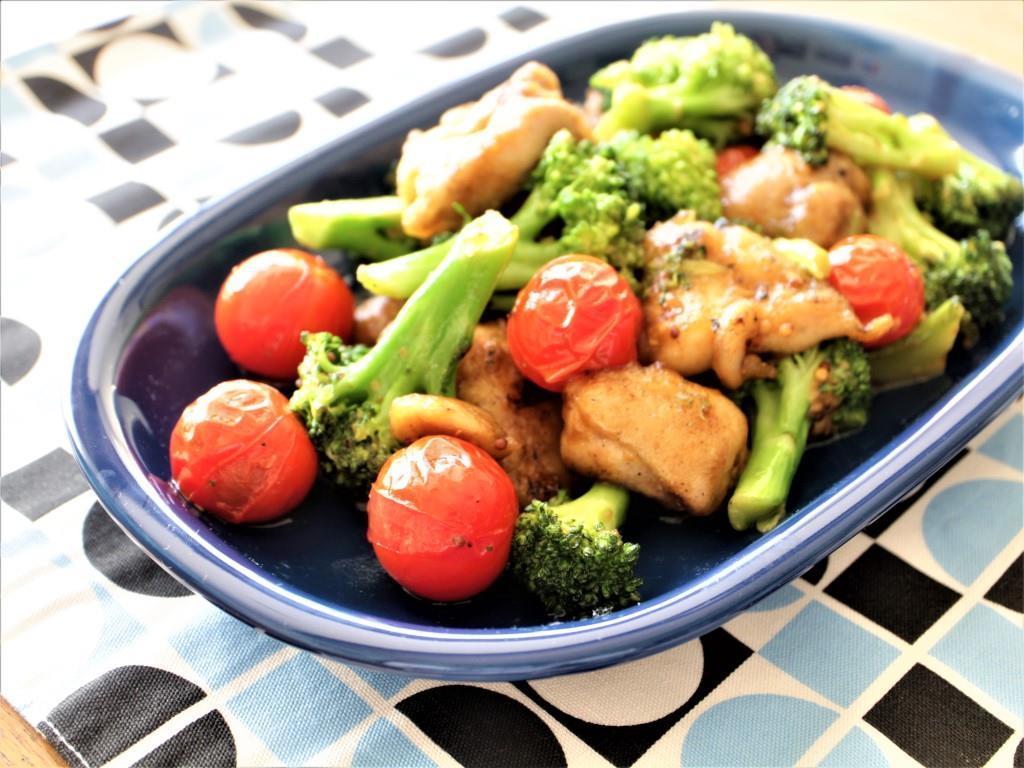 鶏もも肉、ブロッコリー、ミニトマトのしょうゆマスタード炒め_f0220354_13201571.jpg
