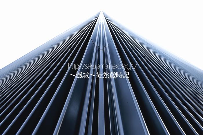 鋼鉄のモノリス。_f0235723_15371226.jpg