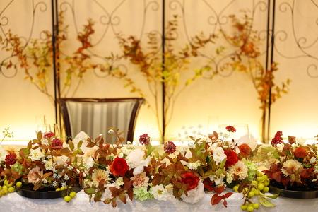 秋の装花 お色直しの振袖の柄にあわせて_a0042928_16173339.jpg