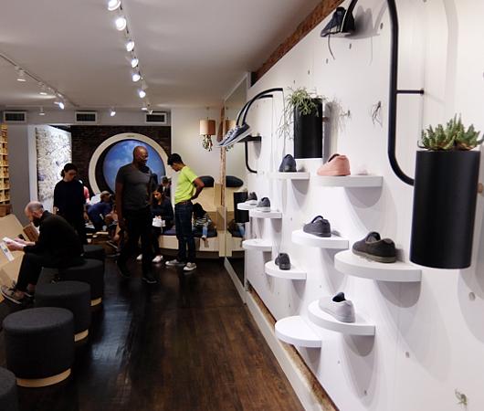 今、ニューヨークで注目の靴屋さん、羊毛シューズのオールバーズ Allbirds_b0007805_20424830.jpg