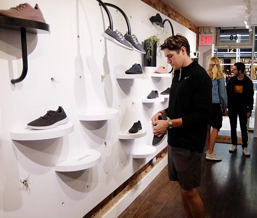 今、ニューヨークで注目の靴屋さん、羊毛シューズのオールバーズ Allbirds_b0007805_20454889.jpg