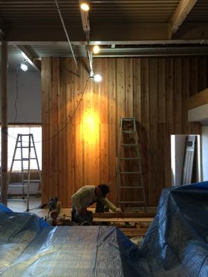 外壁材の杉を使用、目板張りの階段室造作完了しました。建具待ちです。薪ストーブ効率の試験楽しみです_f0115152_17120220.jpg
