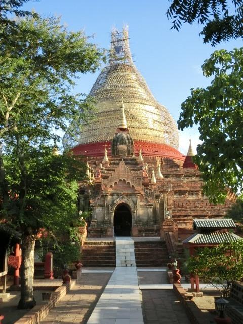 マヌーハ寺院とダマヤージガ・パゴダ_f0189467_23390573.jpg