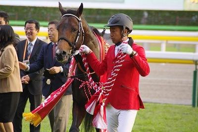 古豪健在!武蔵野Sはインカンテーションが重賞6勝目を飾る_b0015386_23241413.jpg