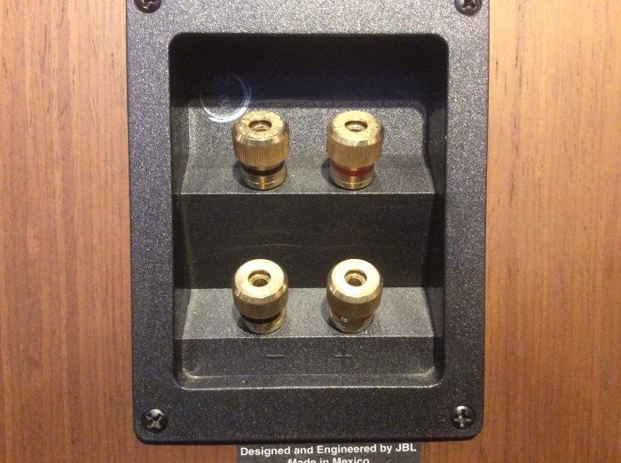 バイワイヤリング対応スピーカーを劇的に高音質化させるグレードアップ術!!_b0292692_17330465.jpg