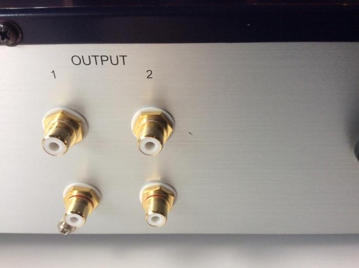 バイワイヤリング対応スピーカーを劇的に高音質化させるグレードアップ術!!_b0292692_17441192.jpg