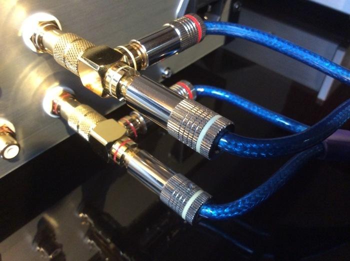バイワイヤリング対応スピーカーを劇的に高音質化させるグレードアップ術!!_b0292692_18014051.jpg