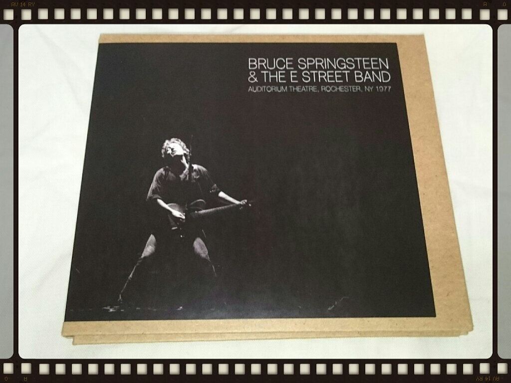 BRUCE SPRINGSTEEN & THE E STREET BAND / AUDITORIUM THEATRE, ROCHESTER, NY 1977_b0042308_22221601.jpg
