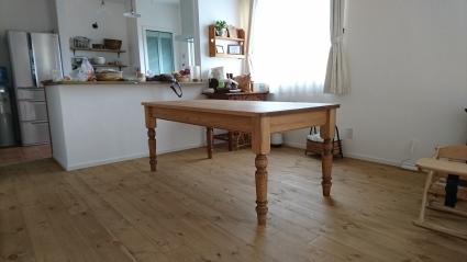 テーブル納品_e0269185_20560153.jpg