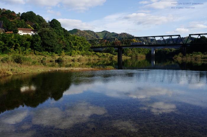 川面に映る_d0309612_22420013.jpg