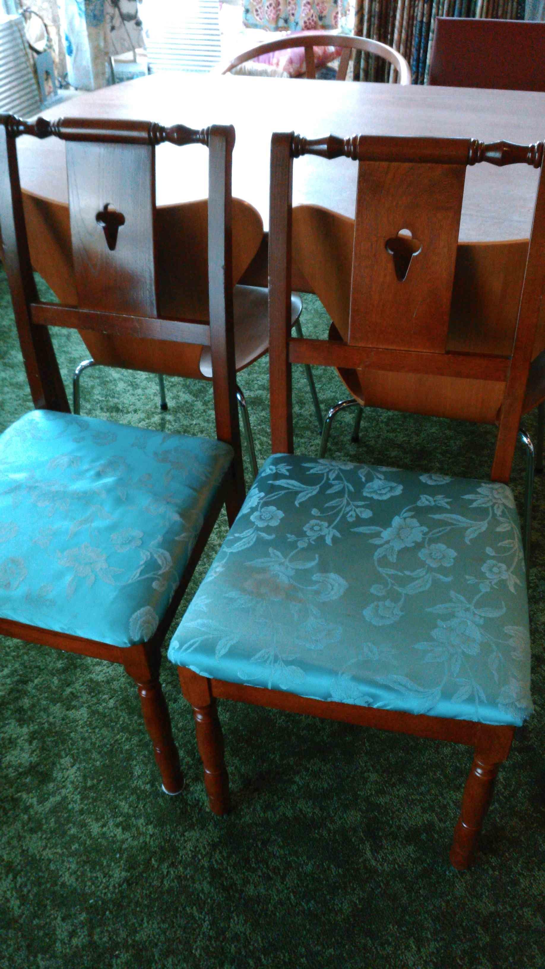 モリスのウイロボウで椅子の張替え_c0157866_18144304.jpg