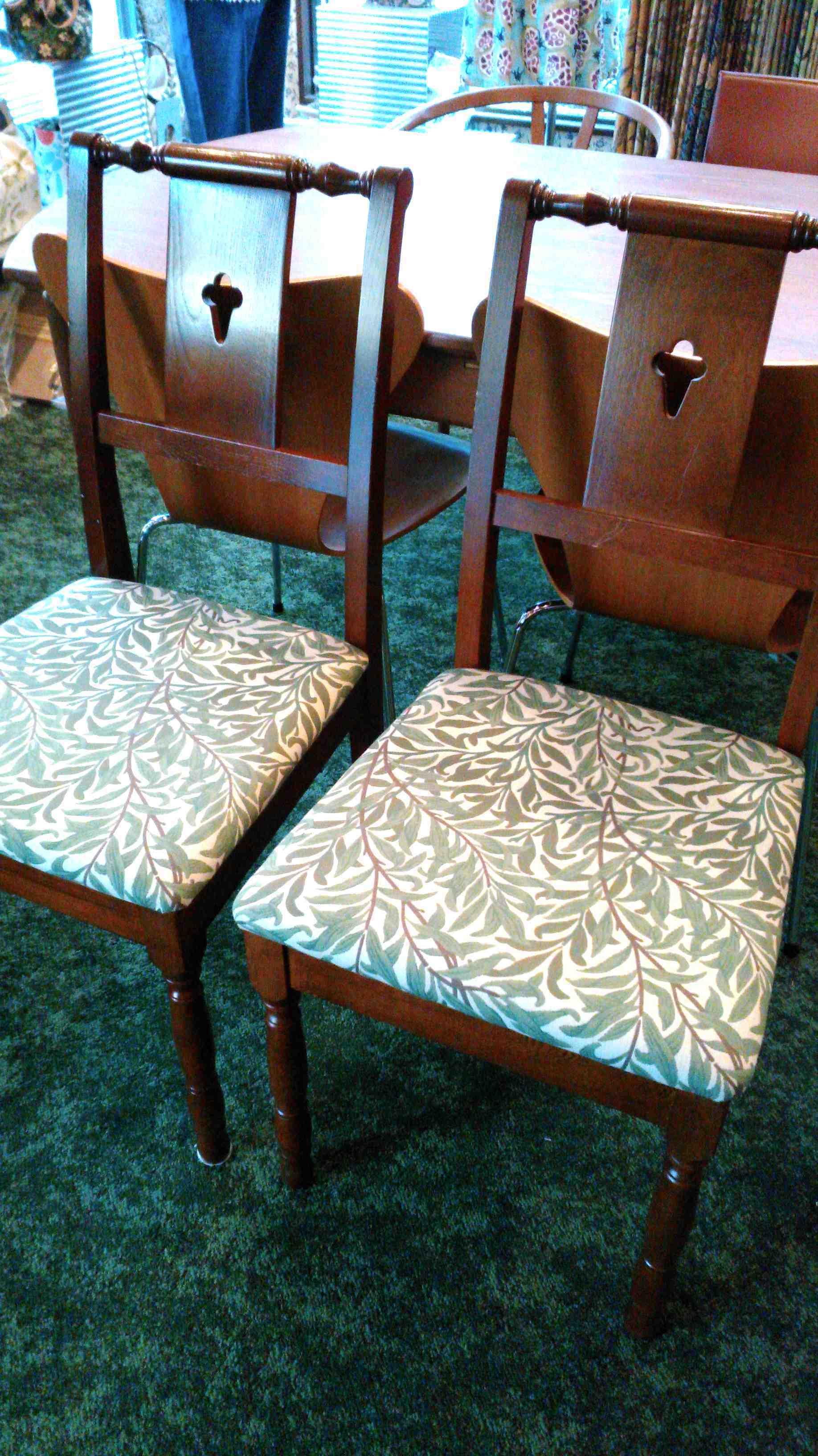 モリスのウイロボウで椅子の張替え_c0157866_18330384.jpg