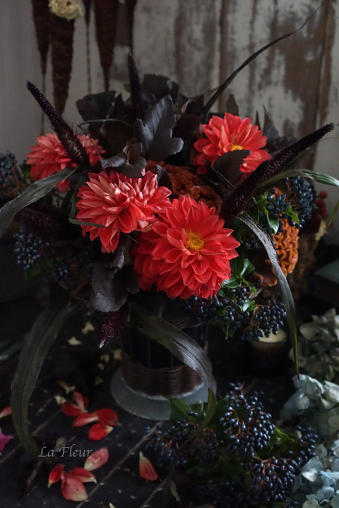 花はそび4 dark chicなbouquet_f0127281_17564678.jpg