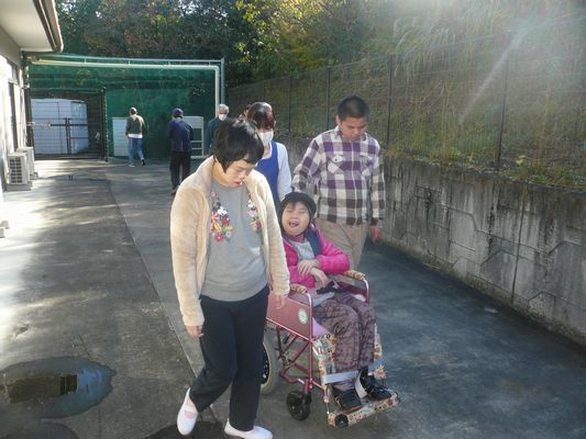 11/13 日中活動_a0154110_16513181.jpg