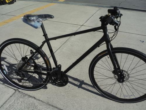 通勤にお勧めのクロスバイク 入荷しました_b0332867_21425873.jpg