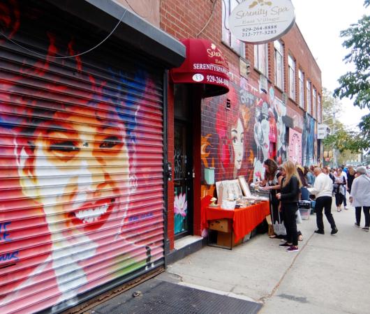 壁画とアンティークのお買い物を同時に楽しめるNYの穴場スポット、Julie\'s Vintage_b0007805_1134731.jpg