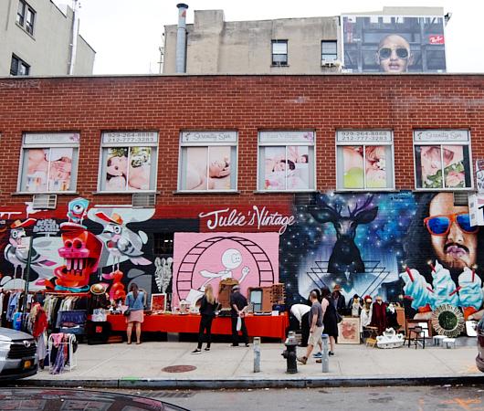 壁画とアンティークのお買い物を同時に楽しめるNYの穴場スポット、Julie\'s Vintage_b0007805_114240.jpg