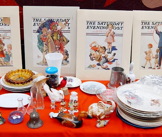 壁画とアンティークのお買い物を同時に楽しめるNYの穴場スポット、Julie\'s Vintage_b0007805_1144346.jpg