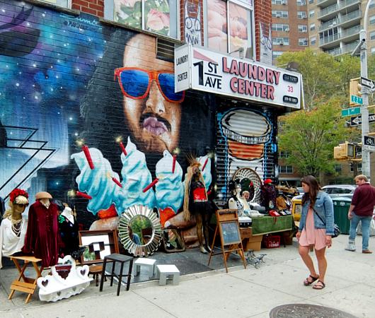壁画とアンティークのお買い物を同時に楽しめるNYの穴場スポット、Julie\'s Vintage_b0007805_1153276.jpg