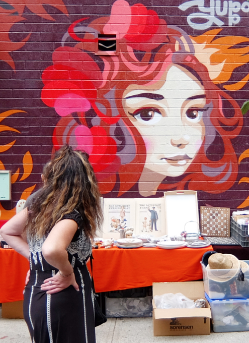 壁画とアンティークのお買い物を同時に楽しめるNYの穴場スポット、Julie\'s Vintage_b0007805_1154998.jpg
