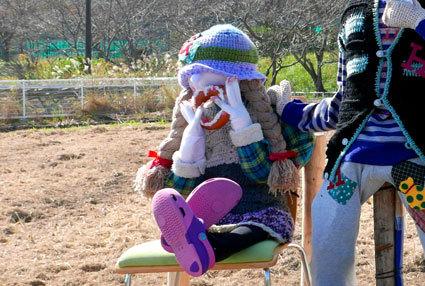 今年もかかしが榊原温泉歓迎しています_b0145257_16161418.jpg