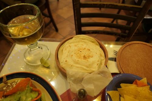 24時間営業メキシカンレストラン_d0193569_23452012.jpg