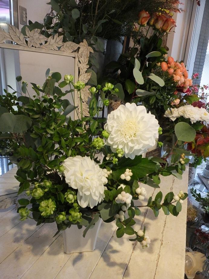 オークリーフ花の教室(大草さんと清水さんの作品)_f0049672_15122060.jpg