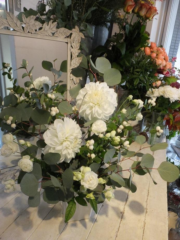 オークリーフ花の教室(大草さんと清水さんの作品)_f0049672_15131270.jpg