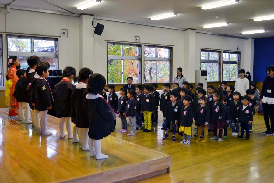 第二幼稚園 10月11月生まれの誕生会を行いました。_d0353789_11212795.jpg