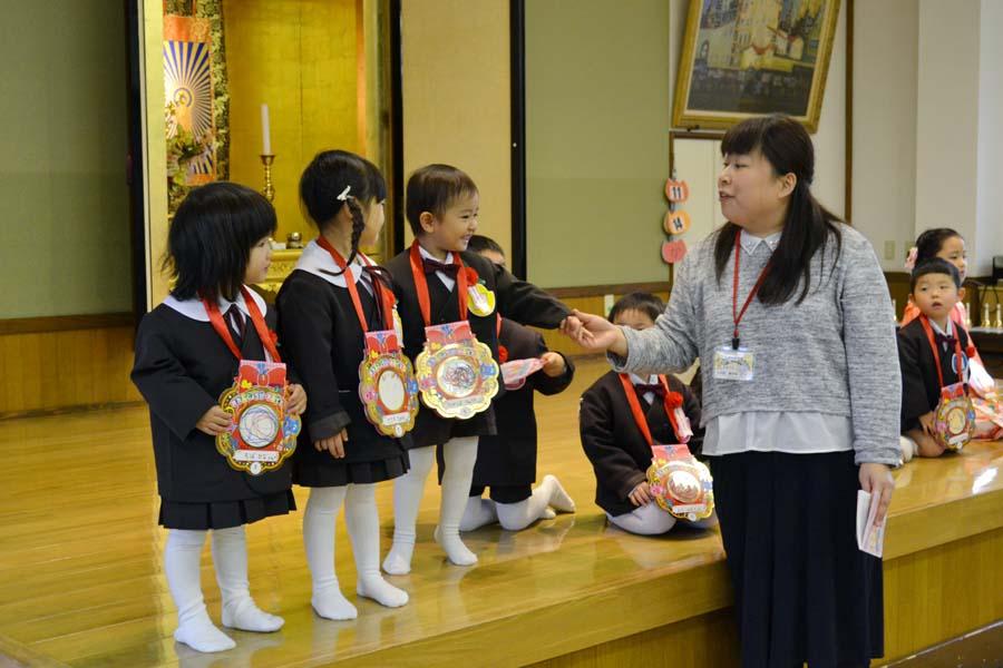 第二幼稚園 10月11月生まれの誕生会を行いました。_d0353789_11213438.jpg